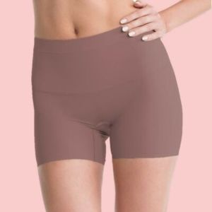 Spanx SS7215 Shape My Day Girl Short Shaper